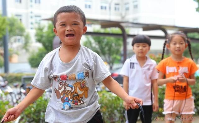 如何摧毁农村孩子?给他得而复失的名利就够了  小马云 农村孩子 第1张